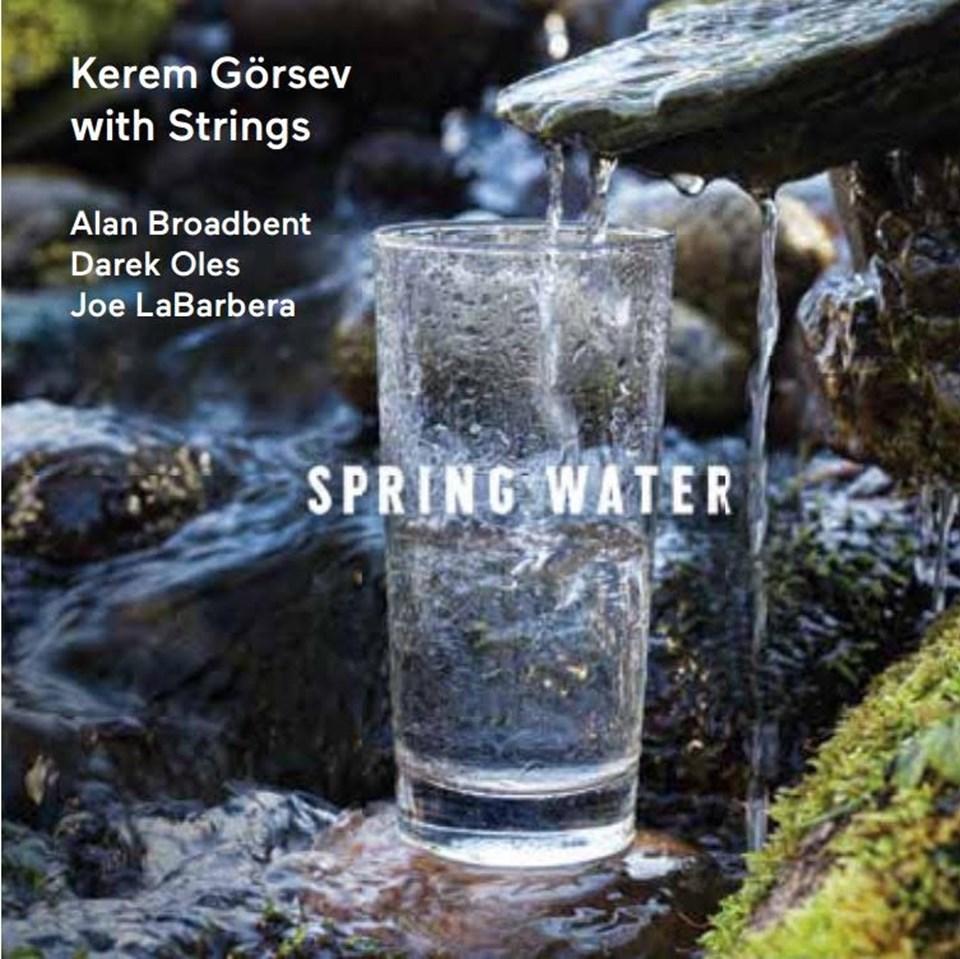 Kerem Görsev'den İmzalı 'Spring Water'