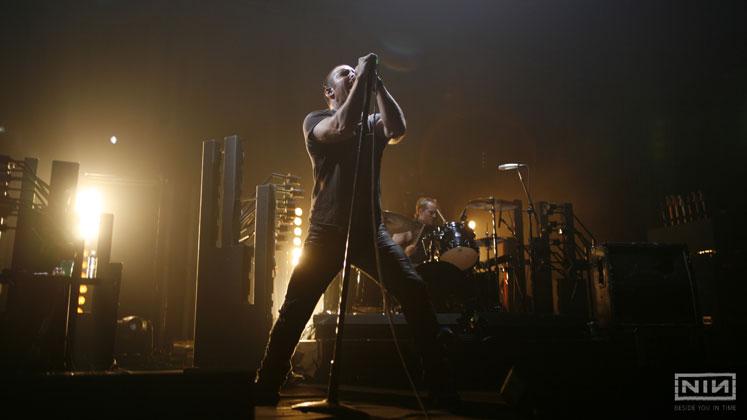 Nine Inch Nails Yeni Parçası 'God Break Down The Door'u Paylaştı