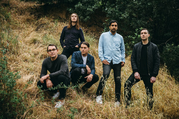 Deafheaven'in 12 Dakikalık Yeni Şarkısı Canary Yellow Yayında