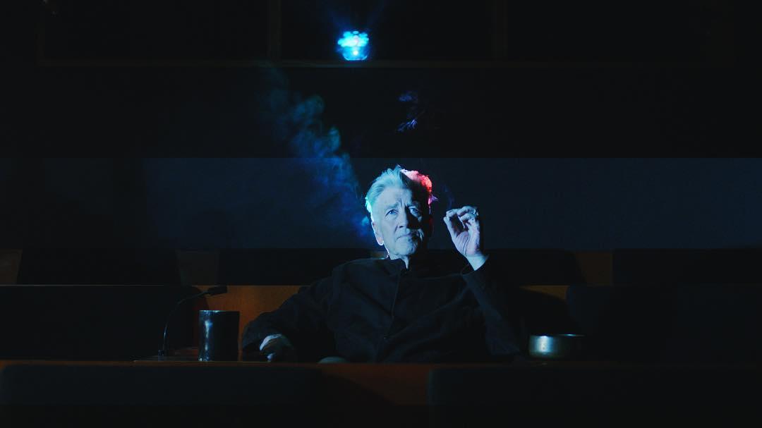 David Lynch Yeni Curtain's Up Adlı Kısa Filmini Anlatıyor