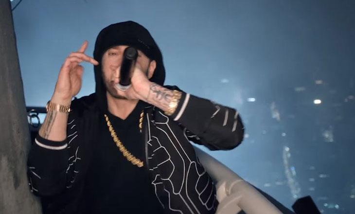 Eminem'den Empire State Binasının Çatısında Venom Performansı