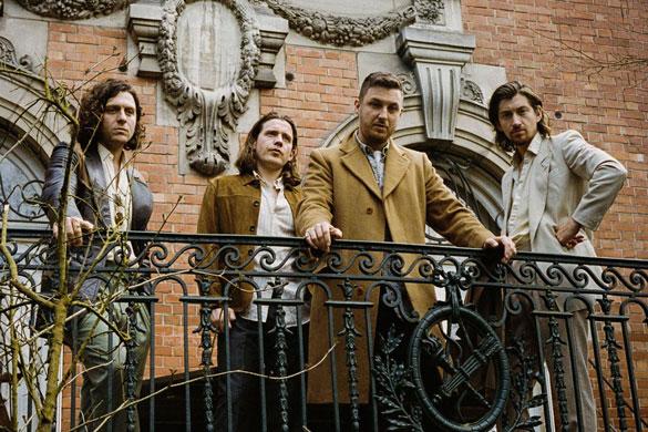 Arctic Monkeys Yeni Anyways Parçasını Yayınladı [Dinle]