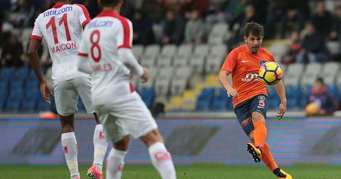 Antalyaspor - Başakşehir maçı ne zaman saat kaçta hangi kanalda? İlk 11!