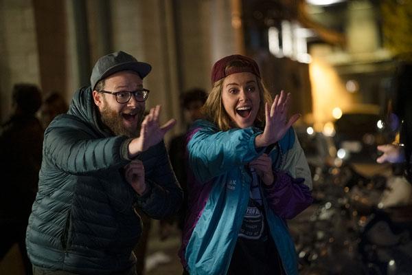 Charlize Theron ve Seth Rogen'lı Long Shot Fragmanı Yayında! (3 Mayıs)