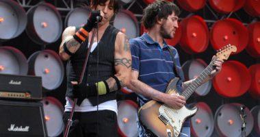 John Frusciante Red Hot Chili Peppers grubuna geri dönüyor!