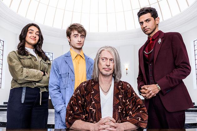 Harry Potter başrollü Miracle Workers 2. sezon fragmanı yayında!