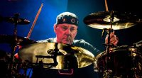 Rush grubunun davulcusu Neil Peart hayatını kaybetti!